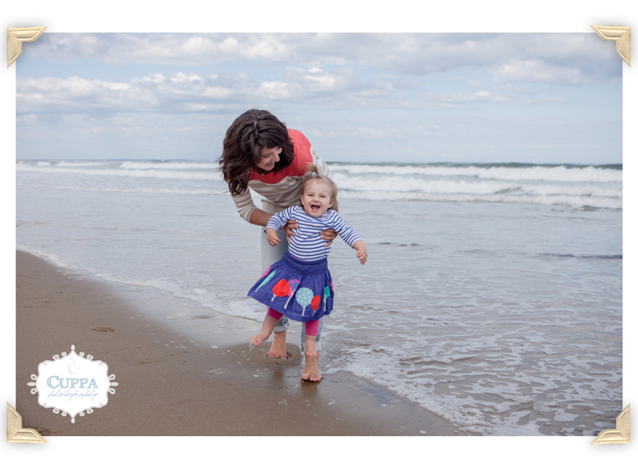 Maine_Photographer_Family_Portraits_Wells_beach_children_baby_photos-003