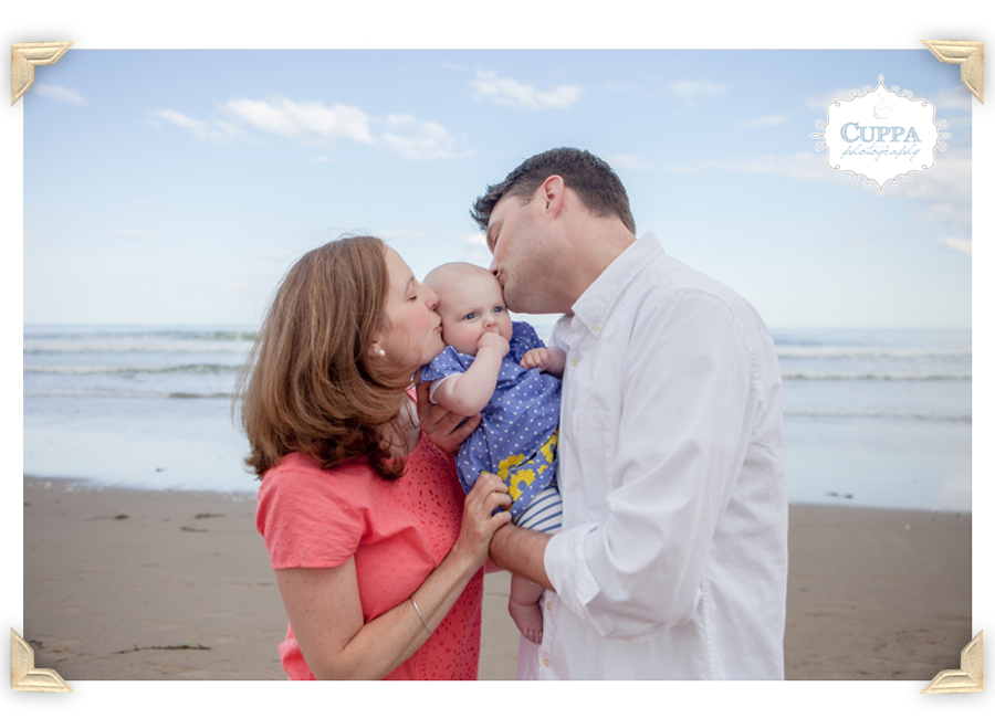Maine_Photographer_Family_Portraits_Wells_beach_children_baby_photos-009