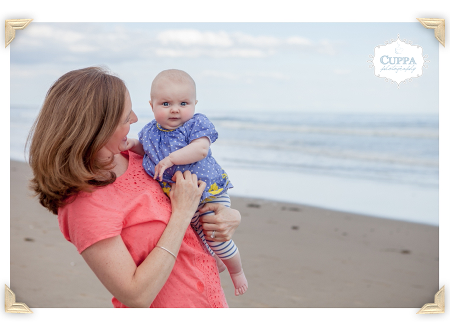 Maine_Photographer_Family_Portraits_Wells_beach_children_baby_photos-011
