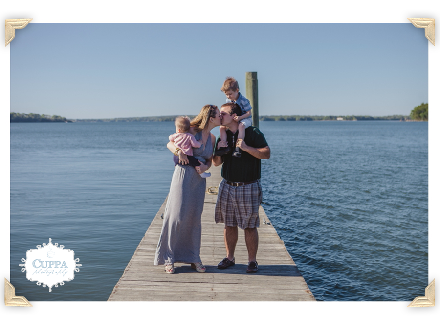 Maine_Photographer_Winslow_Park_Ocean_Family_Portraits_Children_Baby-005