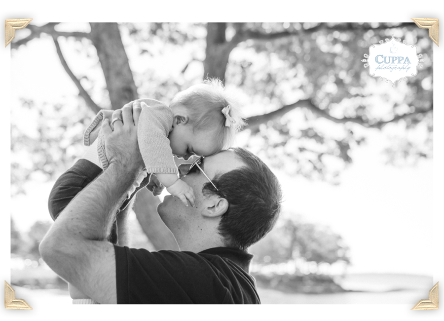 Maine_Photographer_Winslow_Park_Ocean_Family_Portraits_Children_Baby-009