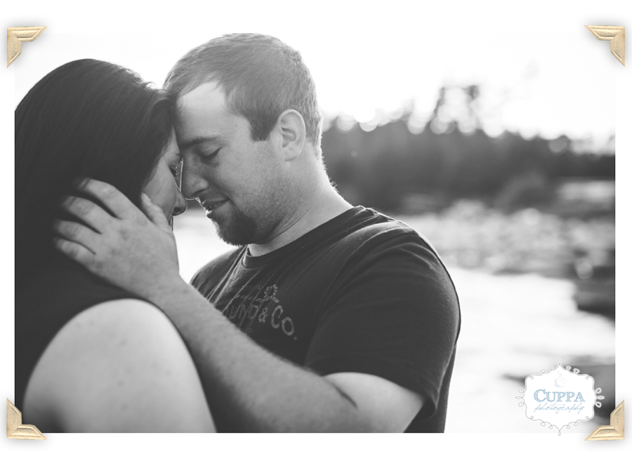 Maine_Wedding_Photographer_Deer_Isle_Stonington_Engagement_Session_Photos_Ocean_Coast-012