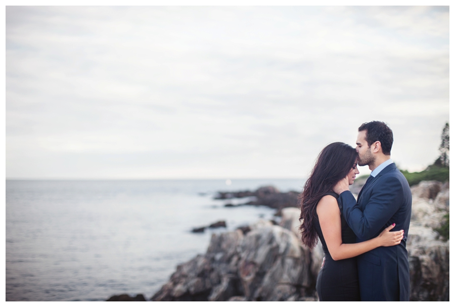 Maine_wedding_photographer_Kennebunk_Kennebunkport_ocean_coast_engagement_photos-005