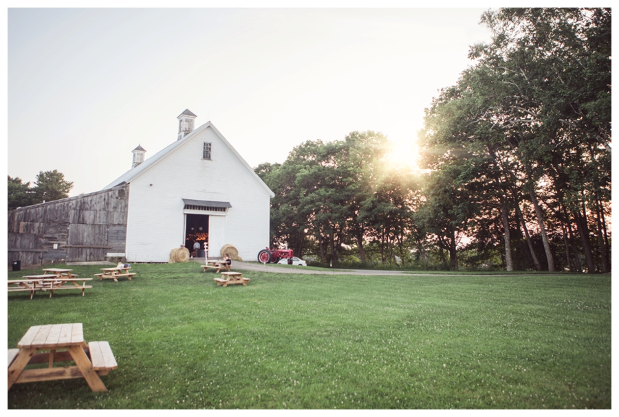 Maine_Wedding_Photographer_Wolfs_Neck_Farm_barn_coast-050