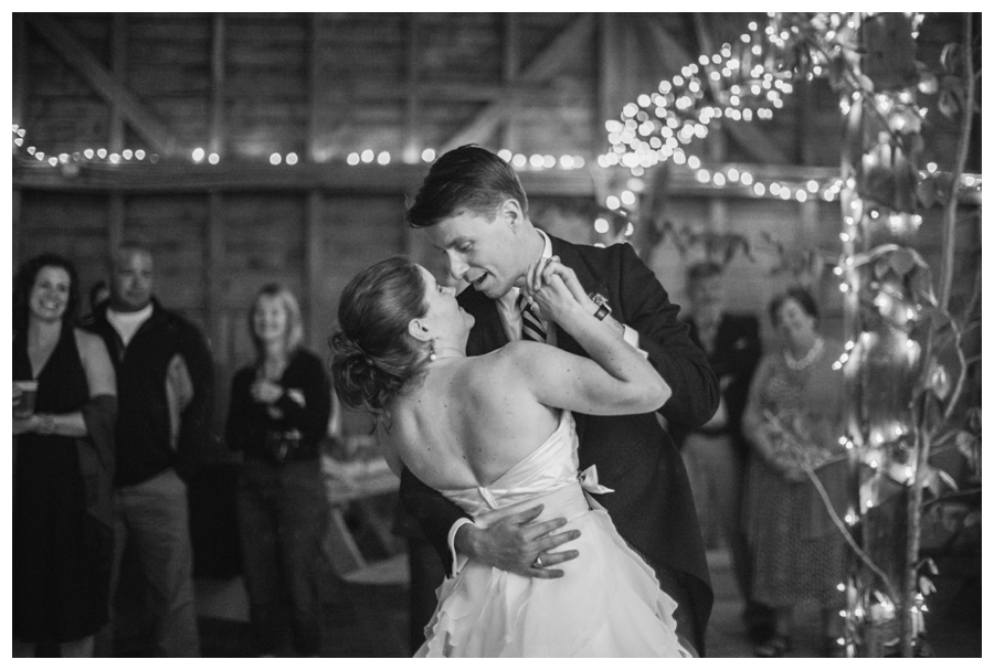 Maine_Wedding_Photographer_Wolfs_Neck_Farm_barn_coast-055
