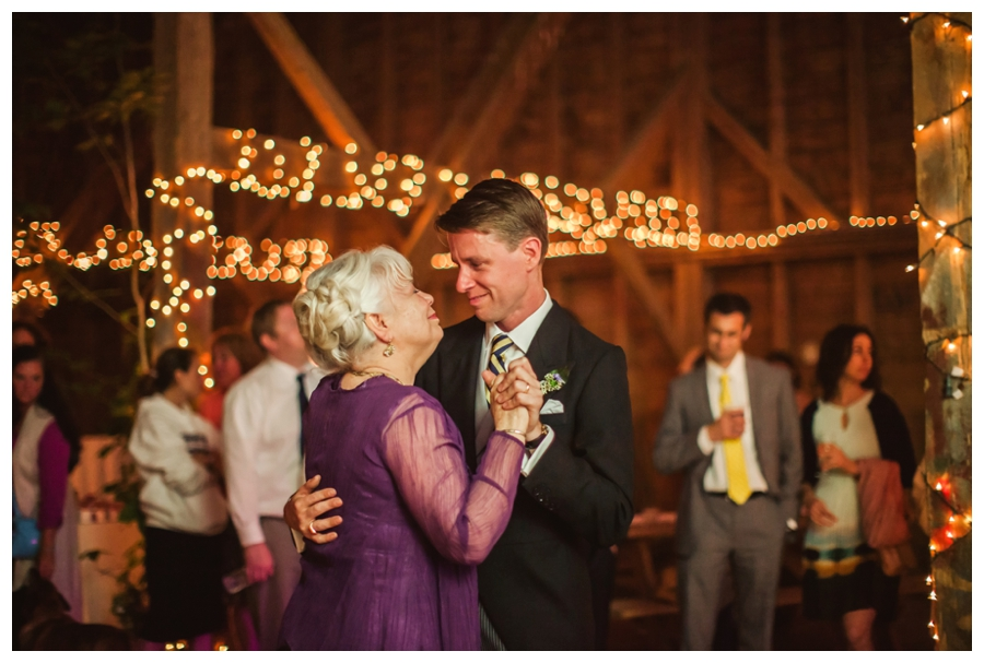 Maine_Wedding_Photographer_Wolfs_Neck_Farm_barn_coast-058