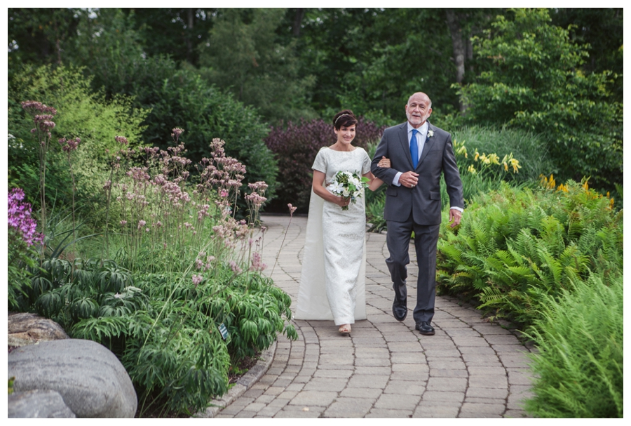 Maine_Wedding_photographer_Boothbay_Coastal_Maine_Botanical_Gardens-012