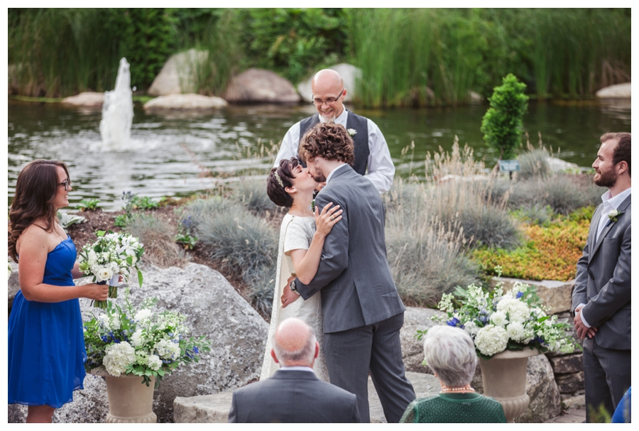 Maine_Wedding_photographer_Boothbay_Coastal_Maine_Botanical_Gardens-017