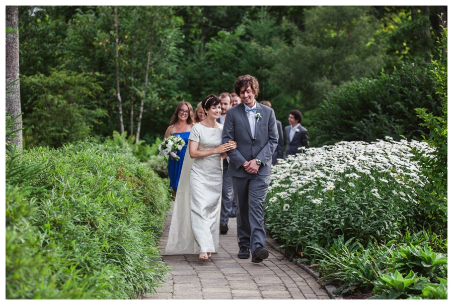 Maine_Wedding_photographer_Boothbay_Coastal_Maine_Botanical_Gardens-018