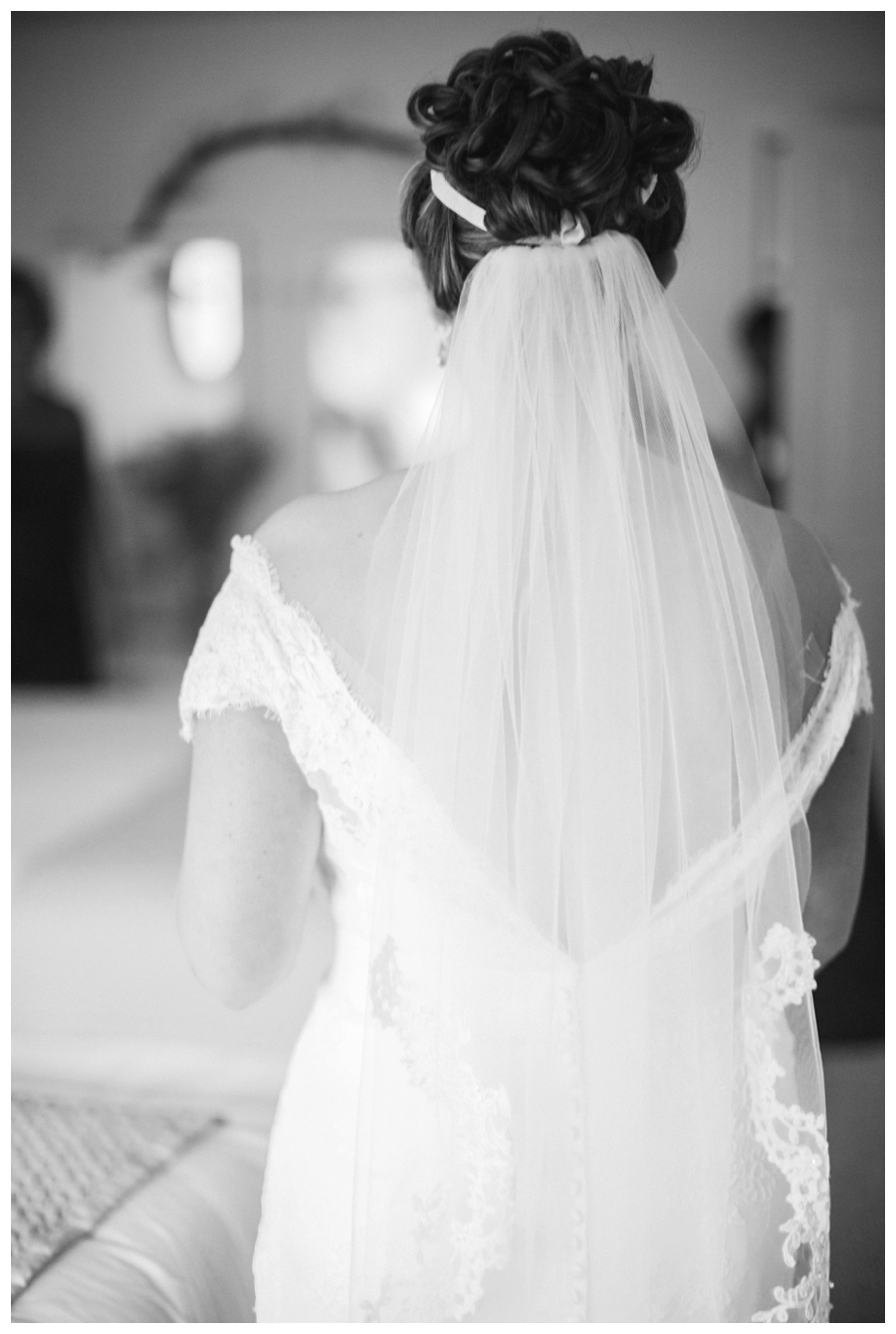 Maine_wedding_photographer_Laudholm_Farm_Wells_barn-016