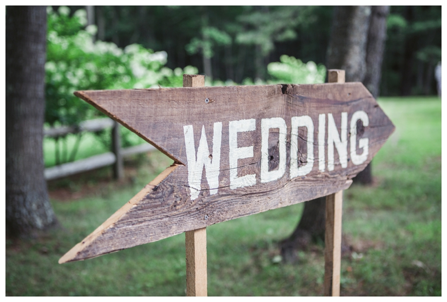 Maine_wedding_photographer_Laudholm_Farm_Wells_barn-019