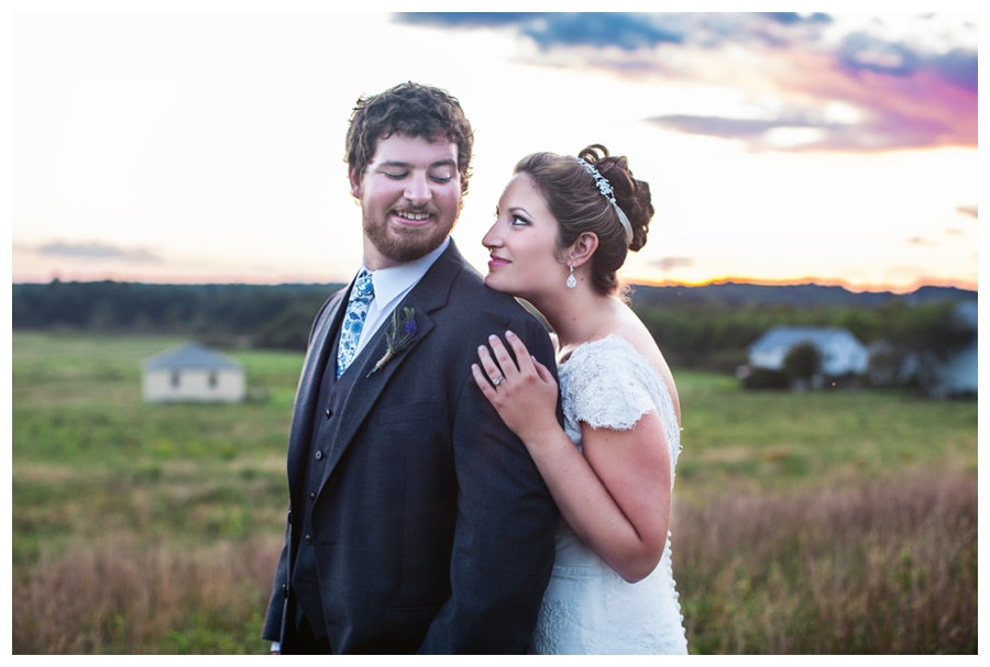 Maine_wedding_photographer_Laudholm_Farm_Wells_barn-060