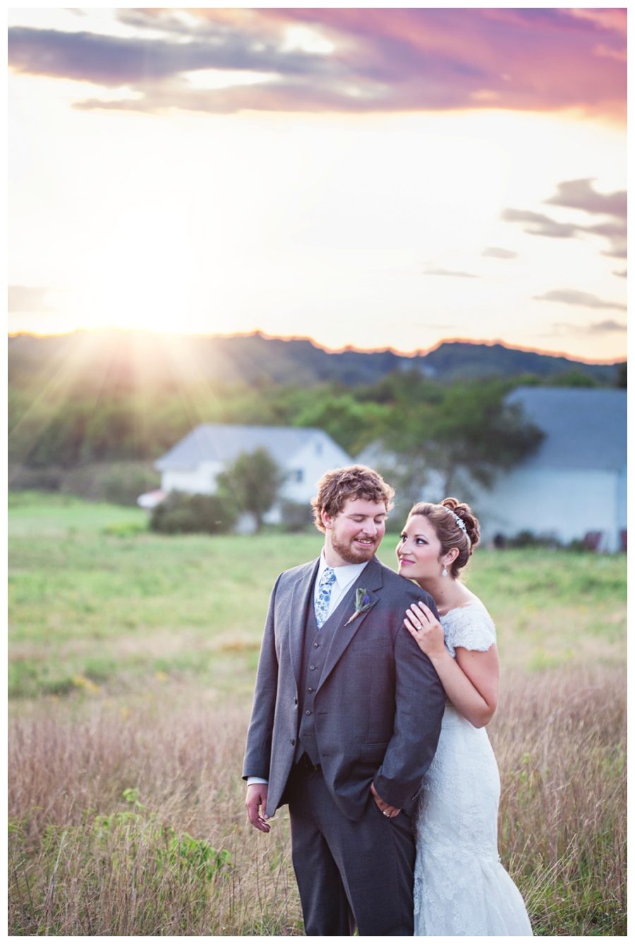 Maine_wedding_photographer_Laudholm_Farm_Wells_barn-061