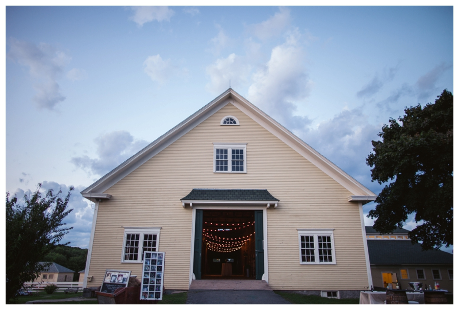 Maine_wedding_photographer_Laudholm_Farm_Wells_barn-064