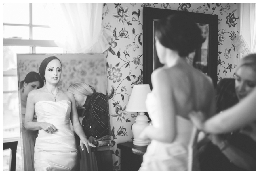 MaineWeddingPhotographer_TheColonyHotel_Kennebunkport_Wedding_Coast-008