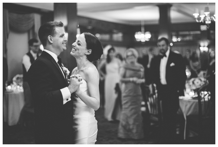 MaineWeddingPhotographer_TheColonyHotel_Kennebunkport_Wedding_Coast-042