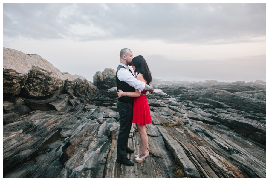 CindyGiovagnoli_MaineWeddingPhotographer_DestinationPhotographer_PemaquidLight_MaineCoast-035