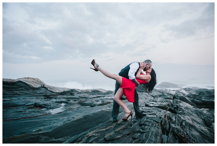 CindyGiovagnoli_MaineWeddingPhotographer_DestinationPhotographer_PemaquidLight_MaineCoast-038