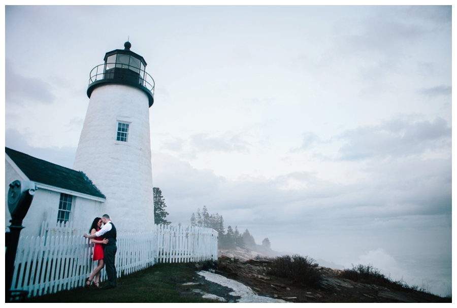 CindyGiovagnoli_MaineWeddingPhotographer_DestinationPhotographer_PemaquidLight_MaineCoast-045