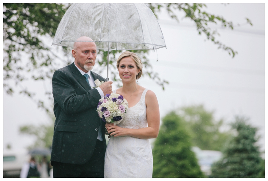 CuppaPhotography_Massachusetts_WeddingPhotographer_rainy_outdoor_orchard_wedding-018
