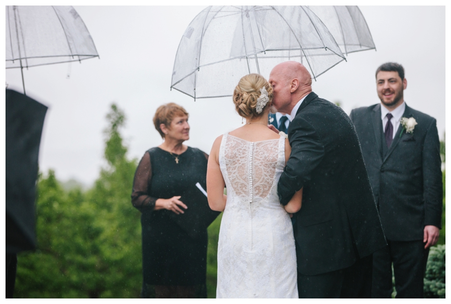 CuppaPhotography_Massachusetts_WeddingPhotographer_rainy_outdoor_orchard_wedding-021
