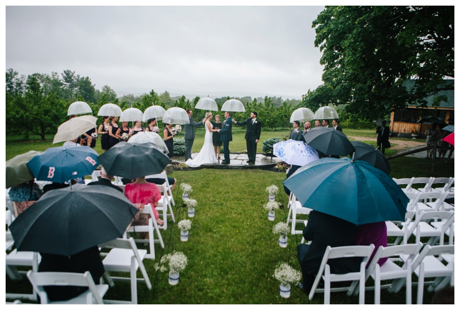 CuppaPhotography_Massachusetts_WeddingPhotographer_rainy_outdoor_orchard_wedding-022