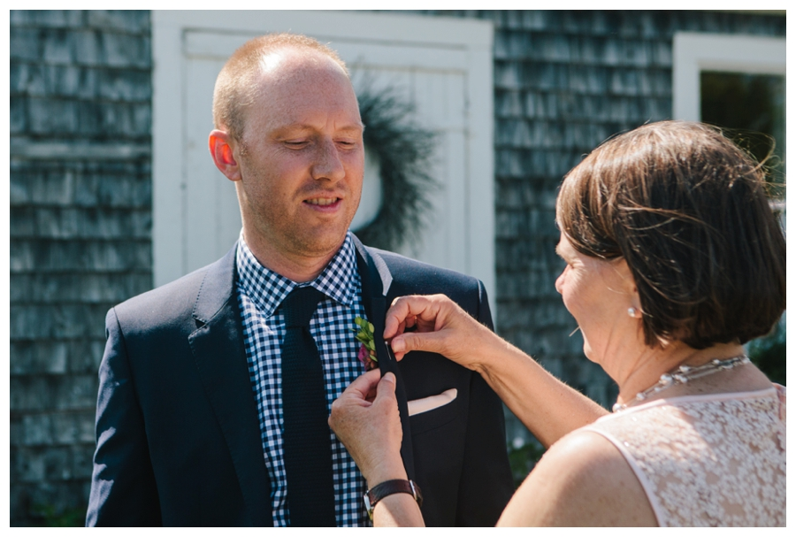MaineWeddingPhotographer_Damariscotta_Bristol_Pemaquid_Lighthouse_BradleyInn_ContentedSole-017
