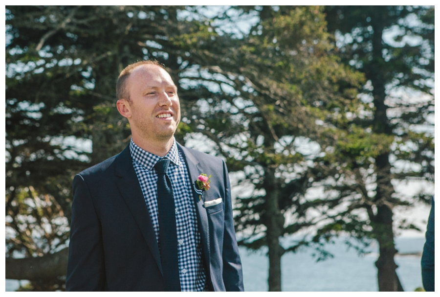 MaineWeddingPhotographer_Damariscotta_Bristol_Pemaquid_Lighthouse_BradleyInn_ContentedSole-024