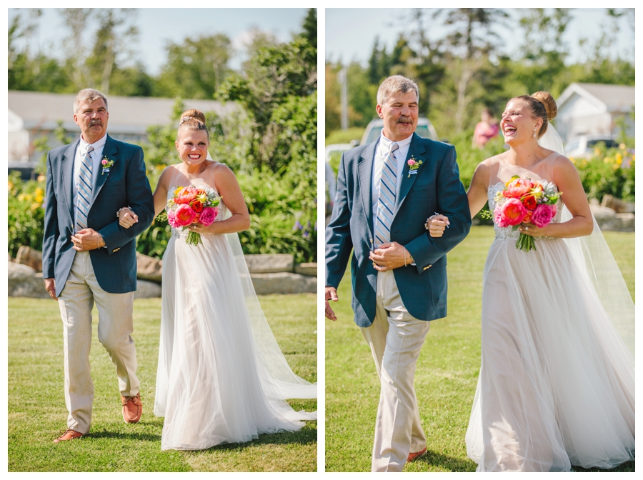 MaineWeddingPhotographer_Damariscotta_Bristol_Pemaquid_Lighthouse_BradleyInn_ContentedSole-025