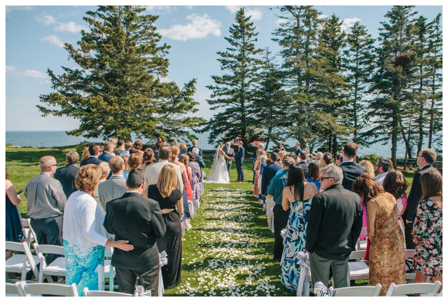MaineWeddingPhotographer_Damariscotta_Bristol_Pemaquid_Lighthouse_BradleyInn_ContentedSole-028