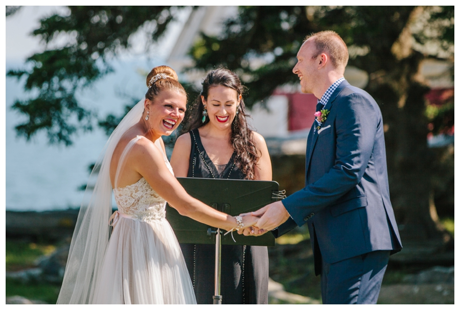 MaineWeddingPhotographer_Damariscotta_Bristol_Pemaquid_Lighthouse_BradleyInn_ContentedSole-029