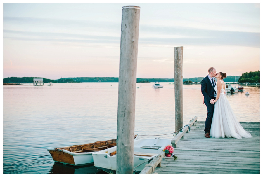 MaineWeddingPhotographer_Damariscotta_Bristol_Pemaquid_Lighthouse_BradleyInn_ContentedSole-062
