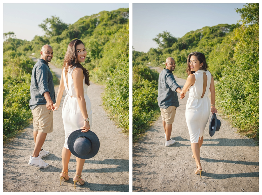 MaineWeddingPhotographer_portraits_engagement_Portland_FtWilliamsPark_OldPort_Headlight-001