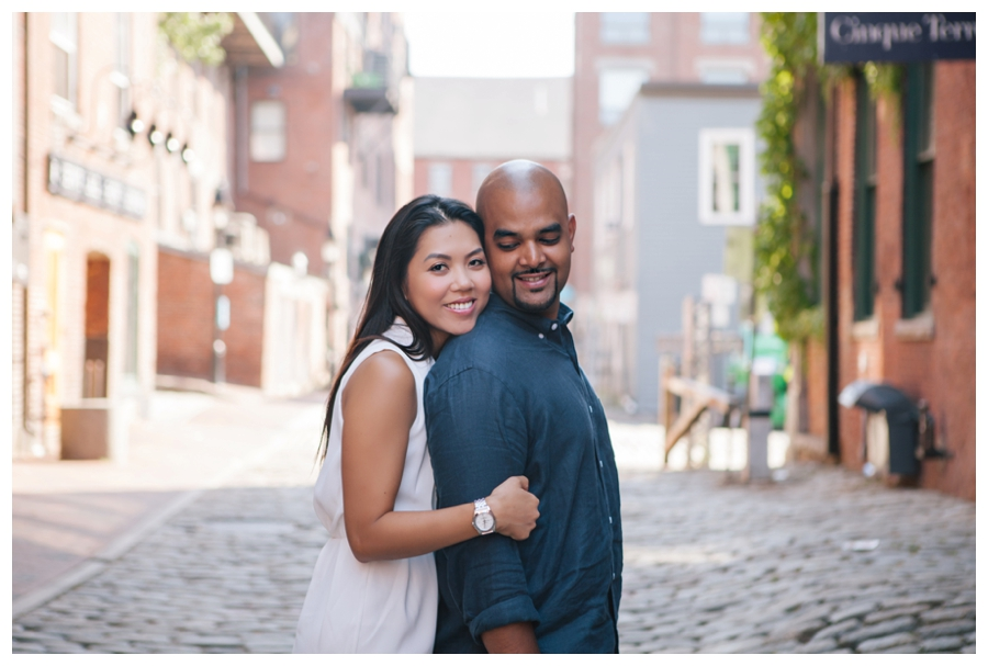 MaineWeddingPhotographer_portraits_engagement_Portland_FtWilliamsPark_OldPort_Headlight-014