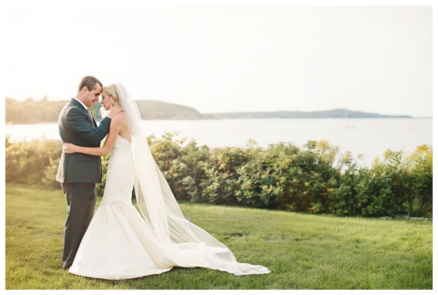 MaineWeddingPhotographer_MountDesertIsland_BarHarbor_BarHarborClub_HarborsideHotel-0046