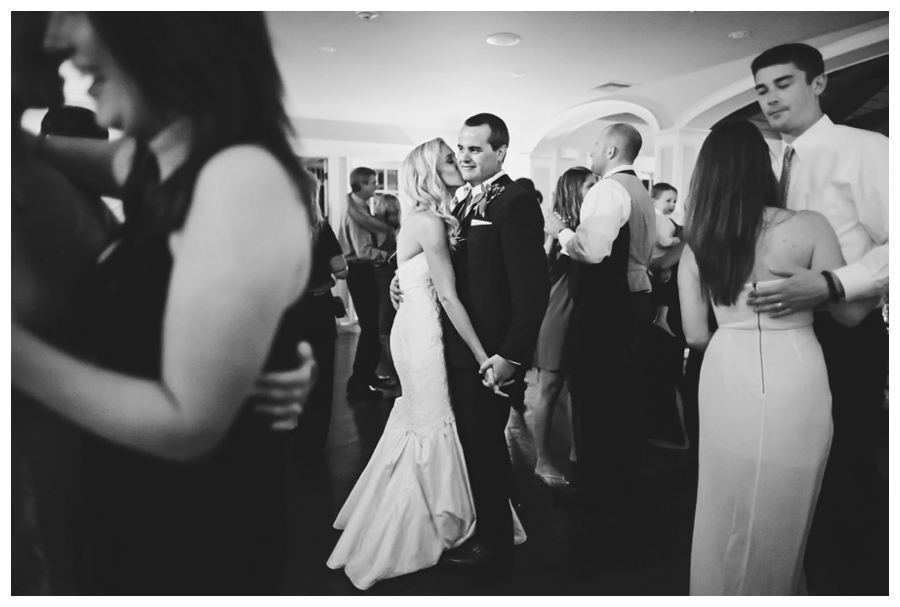 MaineWeddingPhotographer_MountDesertIsland_BarHarbor_BarHarborClub_HarborsideHotel-0081