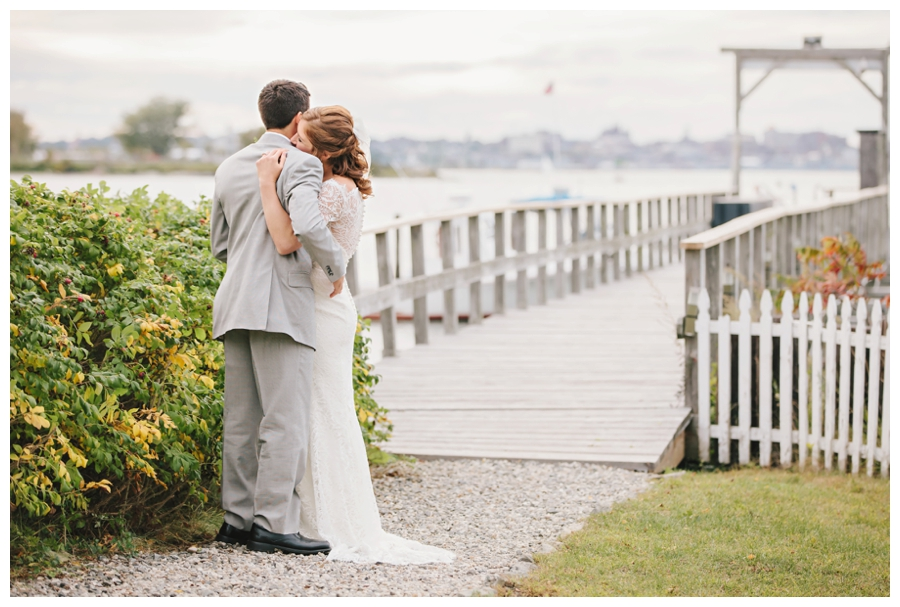 MaineWeddingPhotographer_PeaksIsland_fall_autumn_wedding-071