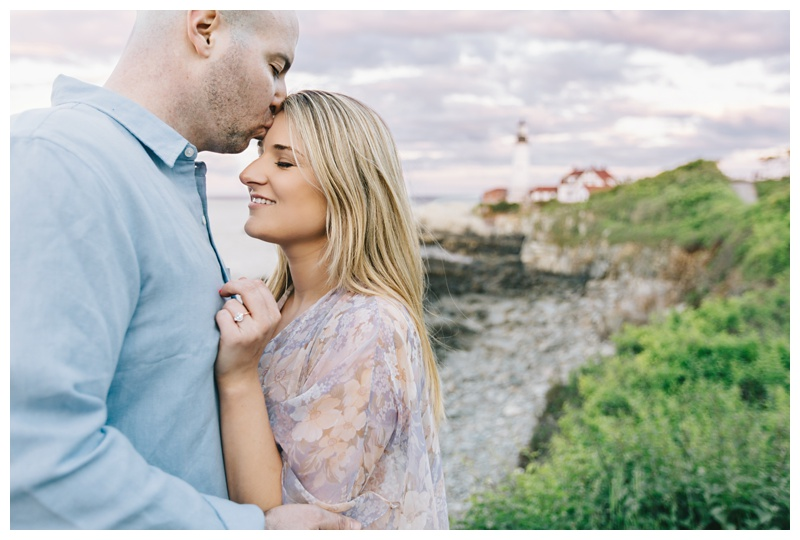 Maine_wedding_photographer_Portland_OldPort_FortWilliams_engagements_coast-027