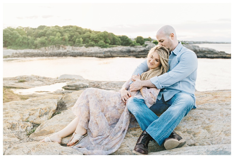 Maine_wedding_photographer_Portland_OldPort_FortWilliams_engagements_coast-030