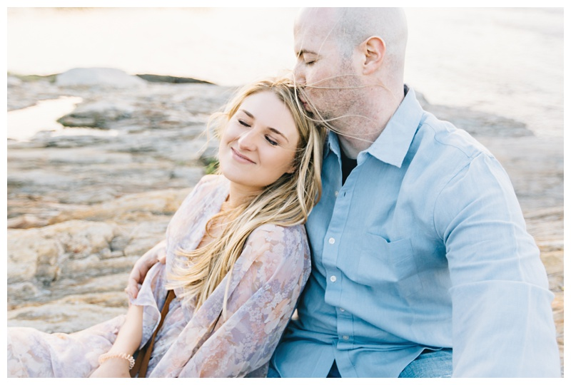 Maine_wedding_photographer_Portland_OldPort_FortWilliams_engagements_coast-031