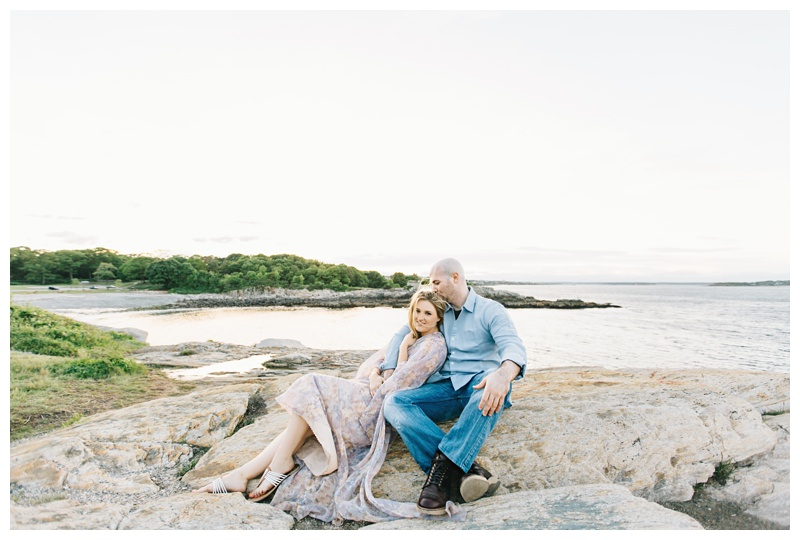 Maine_wedding_photographer_Portland_OldPort_FortWilliams_engagements_coast-032