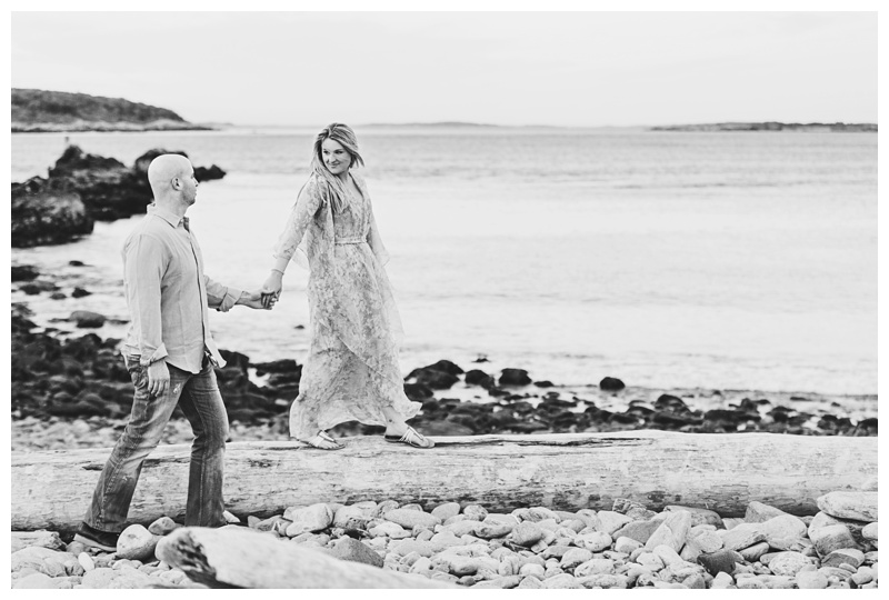Maine_wedding_photographer_Portland_OldPort_FortWilliams_engagements_coast-037