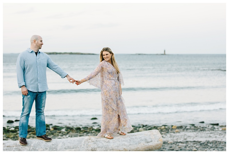Maine_wedding_photographer_Portland_OldPort_FortWilliams_engagements_coast-039