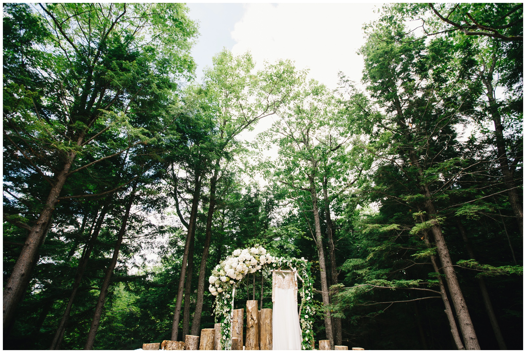 Maine_wedding_photographer_Granite_Ridge_Estate_mountain_barn-001