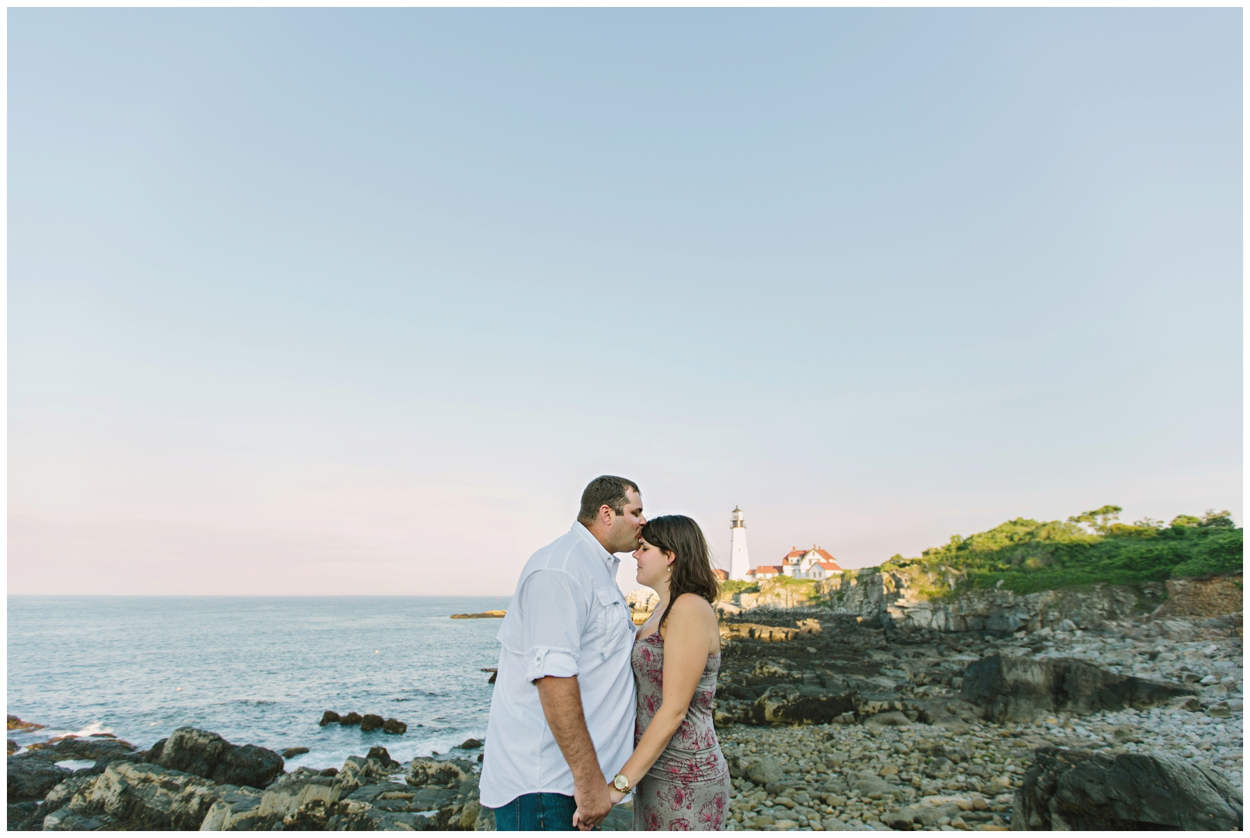 Maine_Photographer_Engagements_FortWilliams_PortlandHeadLight_lighthouse_coastal_seaside-006