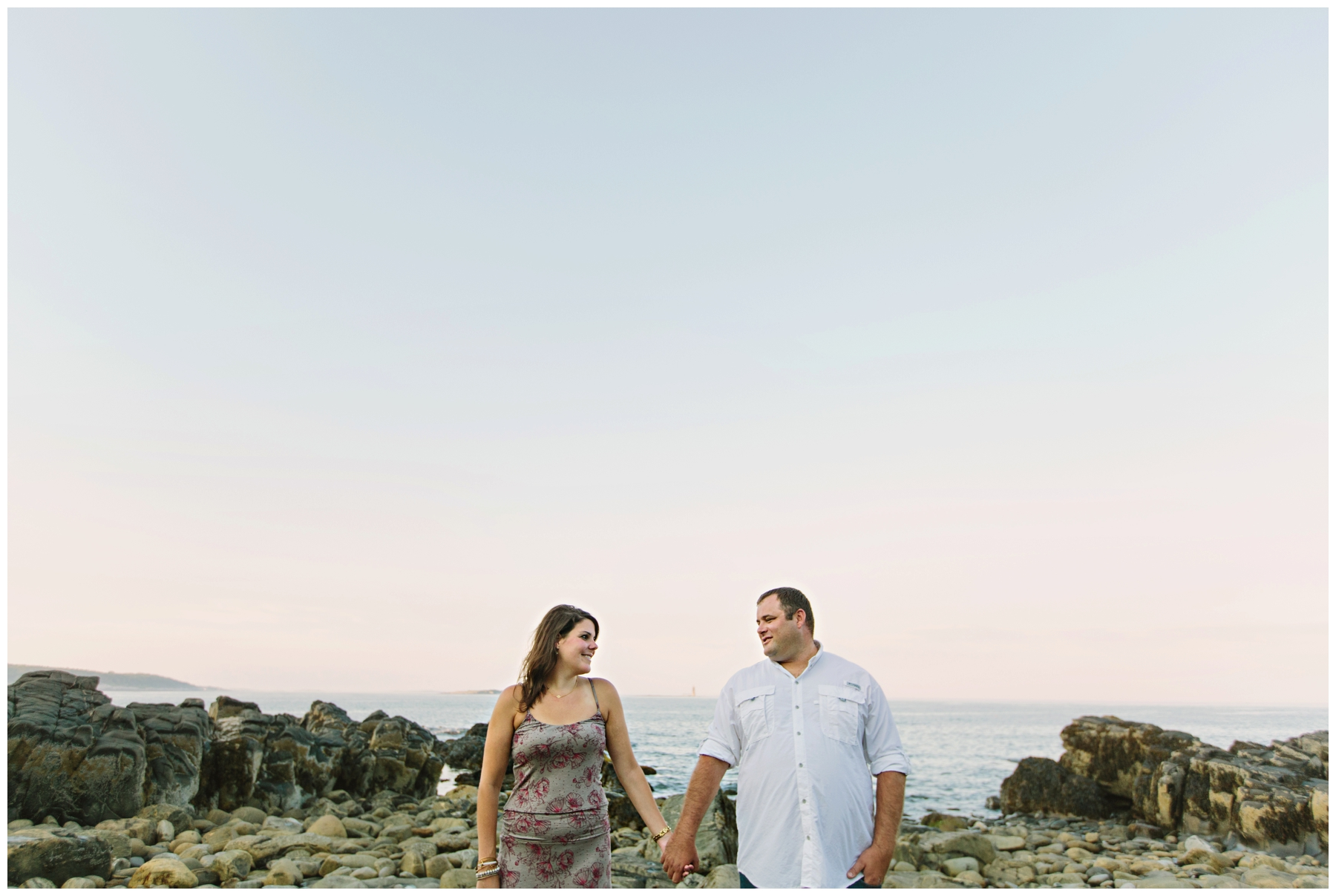 Maine_Photographer_Engagements_FortWilliams_PortlandHeadLight_lighthouse_coastal_seaside-008
