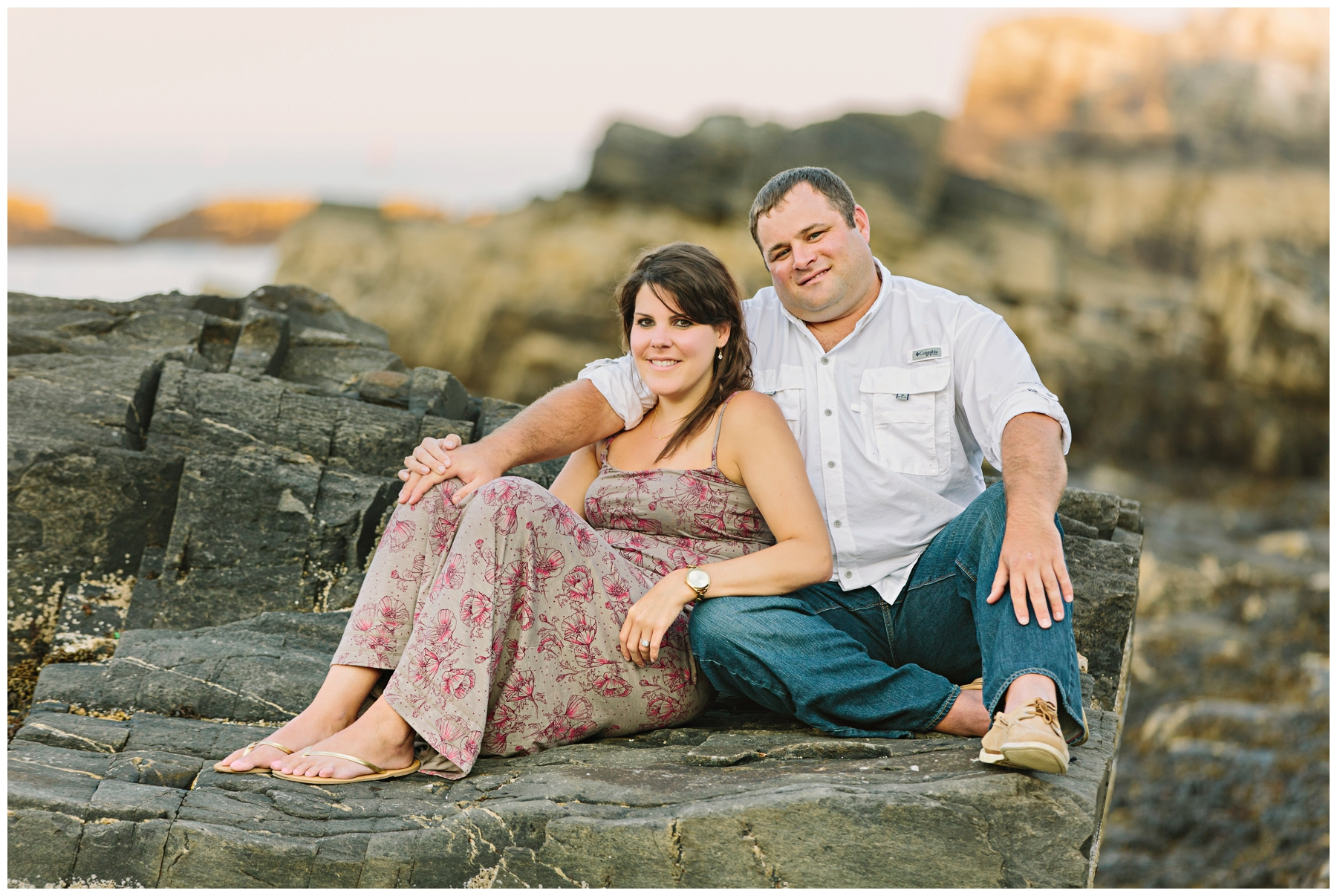 Maine_Photographer_Engagements_FortWilliams_PortlandHeadLight_lighthouse_coastal_seaside-010
