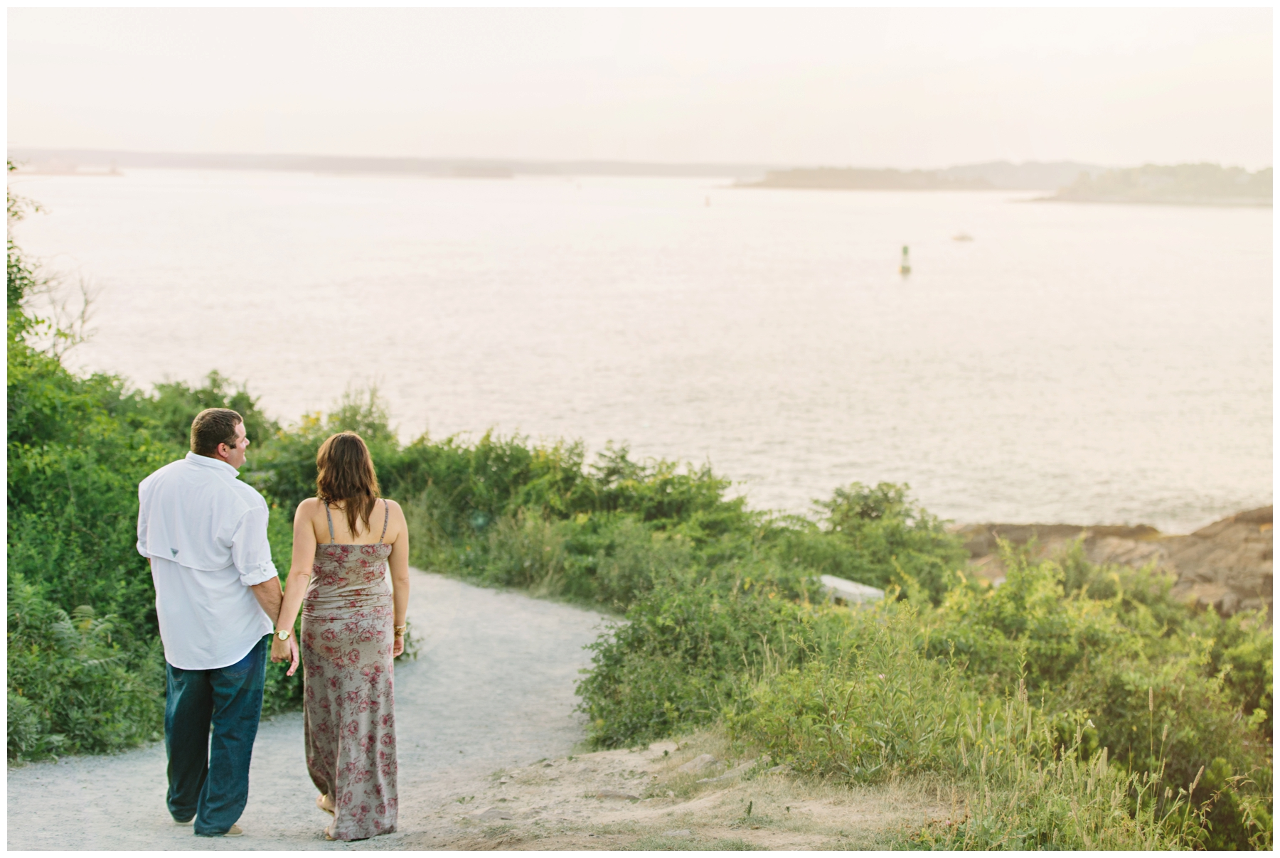 Maine_Photographer_Engagements_FortWilliams_PortlandHeadLight_lighthouse_coastal_seaside-013