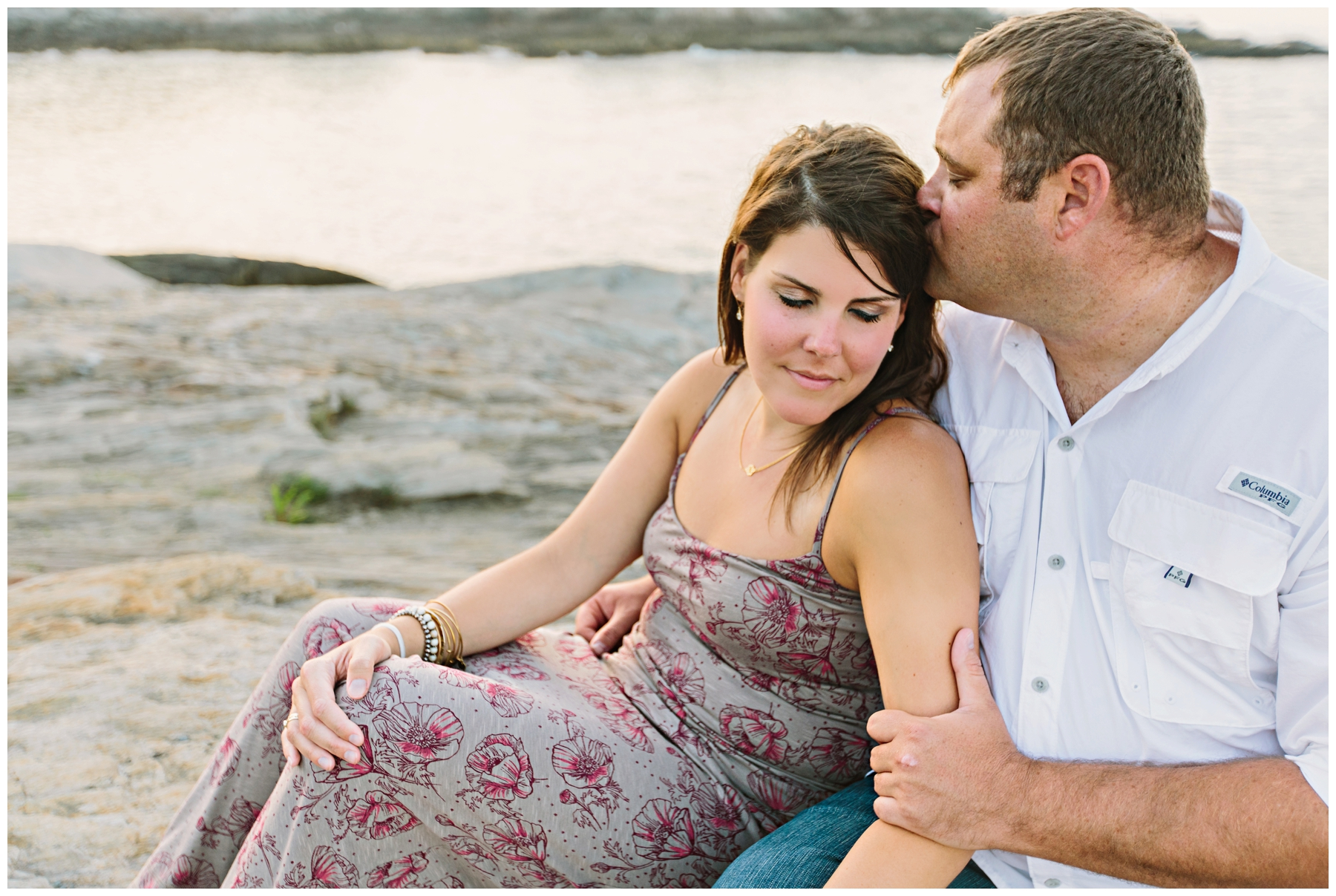 Maine_Photographer_Engagements_FortWilliams_PortlandHeadLight_lighthouse_coastal_seaside-025