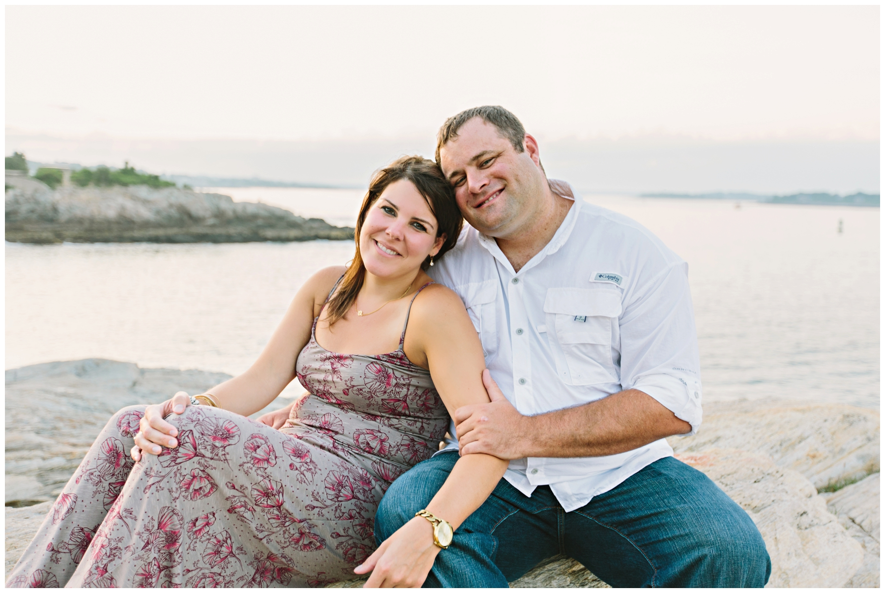 Maine_Photographer_Engagements_FortWilliams_PortlandHeadLight_lighthouse_coastal_seaside-026